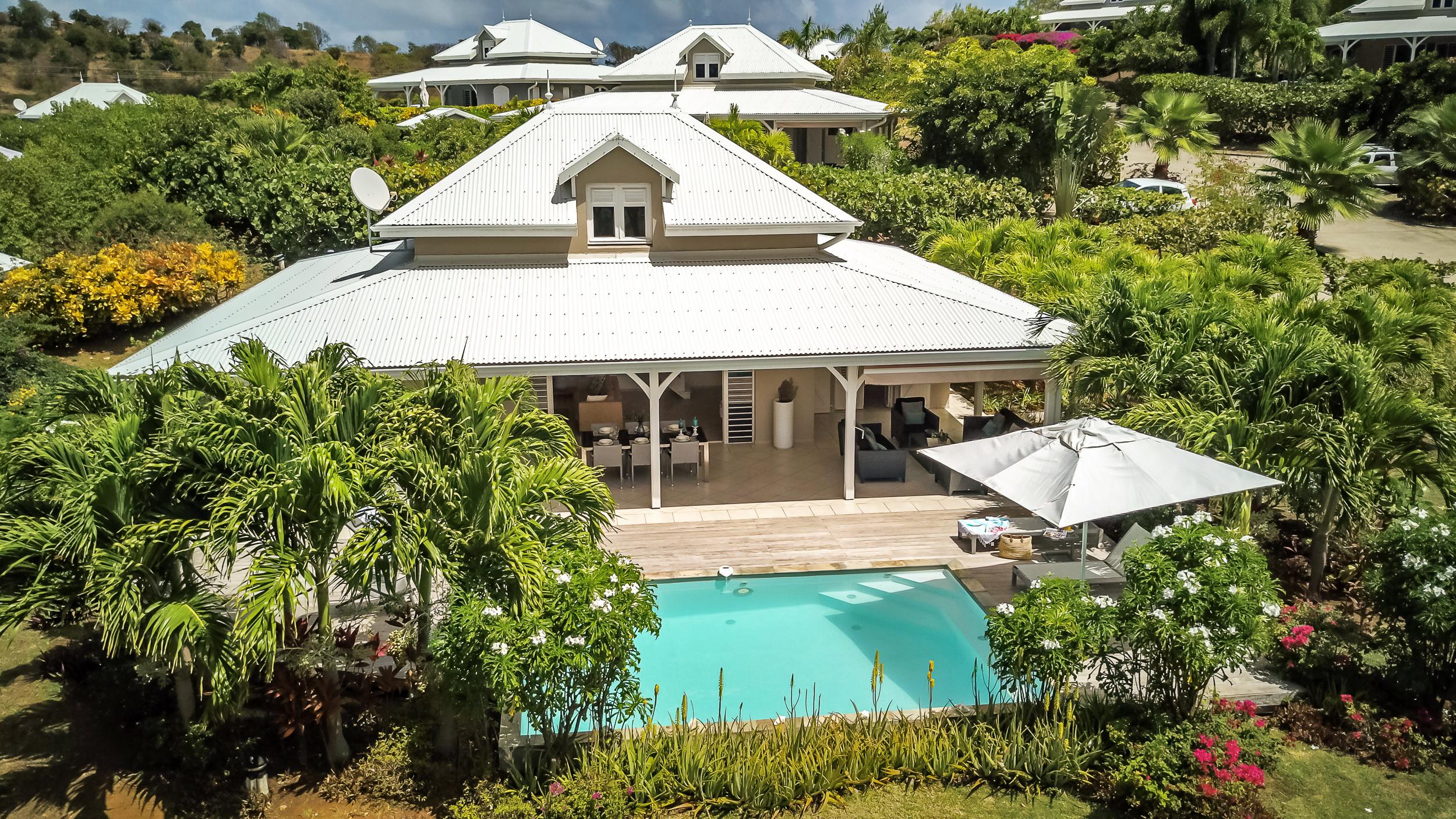 Majestic Palm Villa De Reve Les Pieds Dans Leau